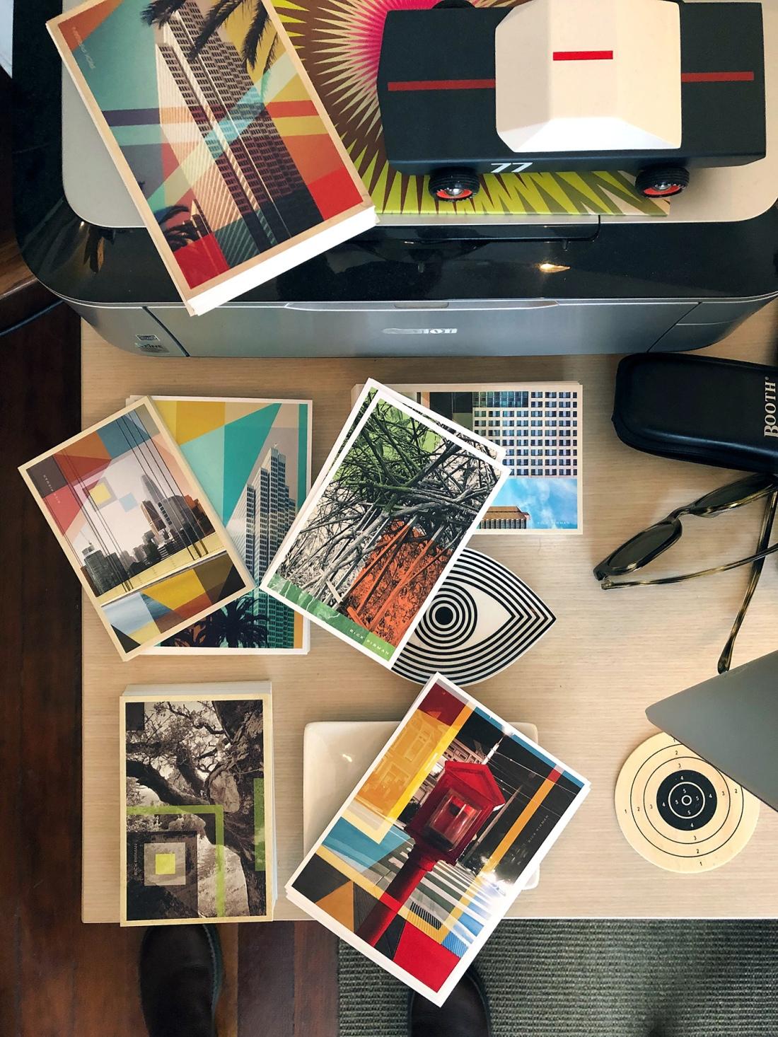 Postcards desk 1400